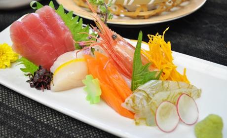 写真:旬魚五種盛り合わせ